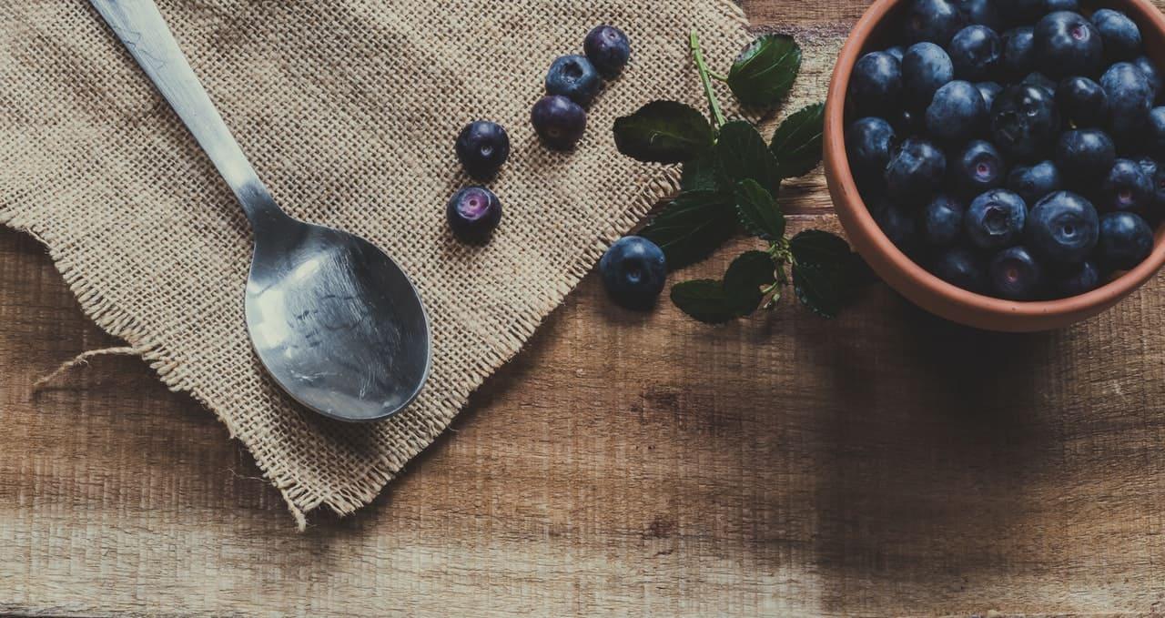 冬 - 腎與冬氣相應,宜吃黑色食物配圖